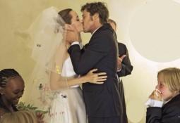 Pitt e Jolie, matrimonio vip in forma privata