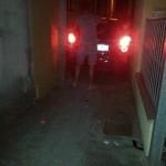 macchina in calle stretta 3