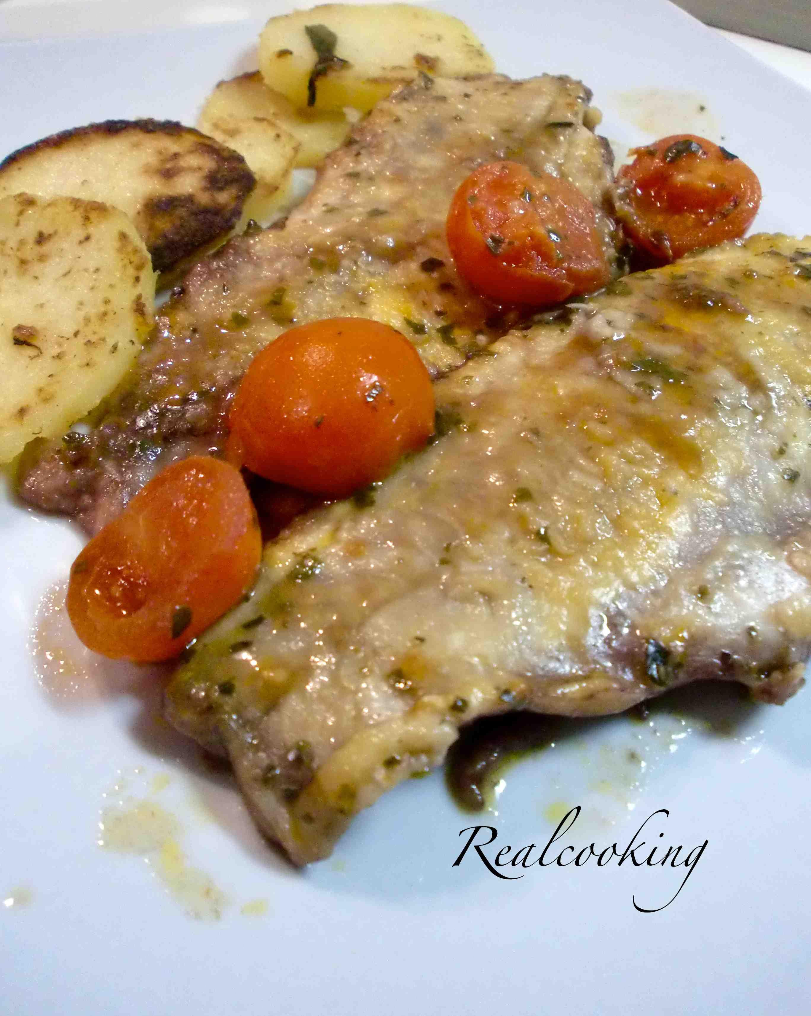 filetti di branzino alla livornese con patate, burro e salvia ... - Come Cucinare I Filetti Di Branzino