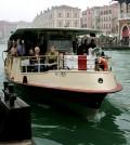 800px-Venice_-_Vaporetto_01