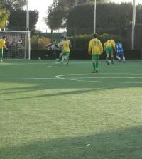 calcio a 5 torneo vestita