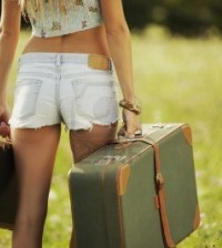 ragazza-valigia