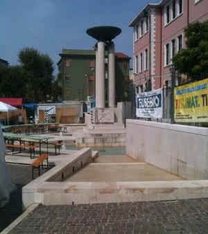 piazza todaro fontana sottomarina