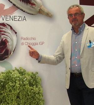 Giuseppe Boscolo Palo con pannello Radicchio Chioggia Igp