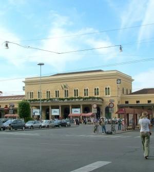 1280px-Bologna-Stazione_Centrale-DSCF7236