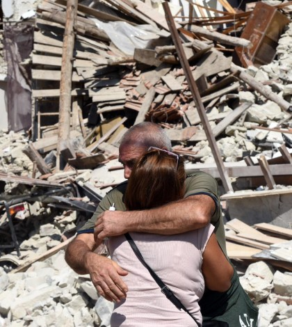 6.2 magnitude earthquake hits central Italy - at least 38 dead