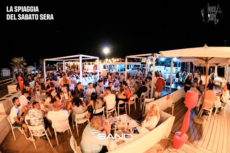 66236091_10157404309962899_952597757405691904_nsand beach sottomarina