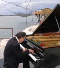 Pianista fuori posto Chioggia